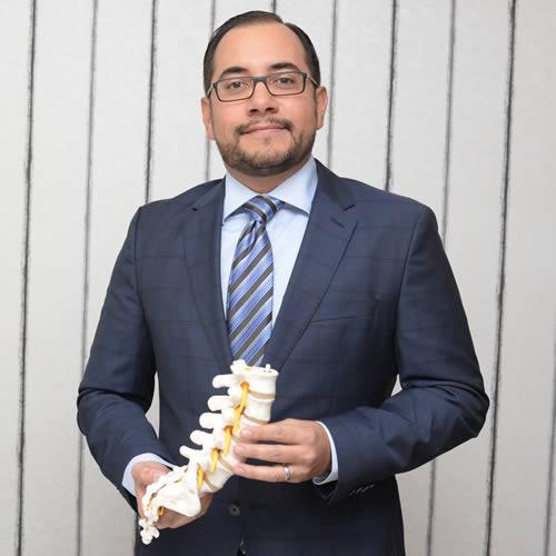Dr. Andrés Báez